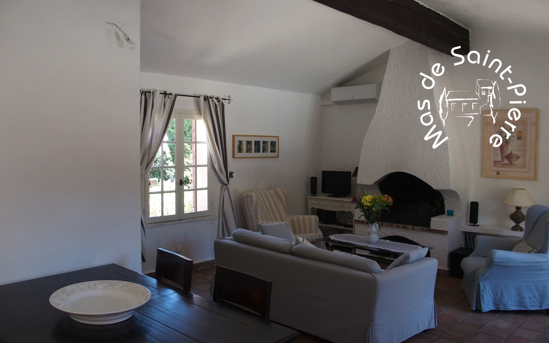 La salle de séjour – das Wohnzimmer