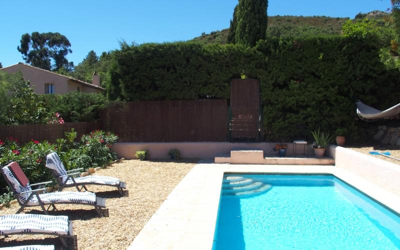 Außenanlage #16: Der Swimmingpool