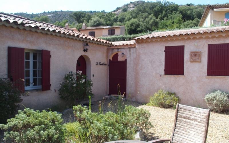 Außenanlage #1: Der Eingangsbereich